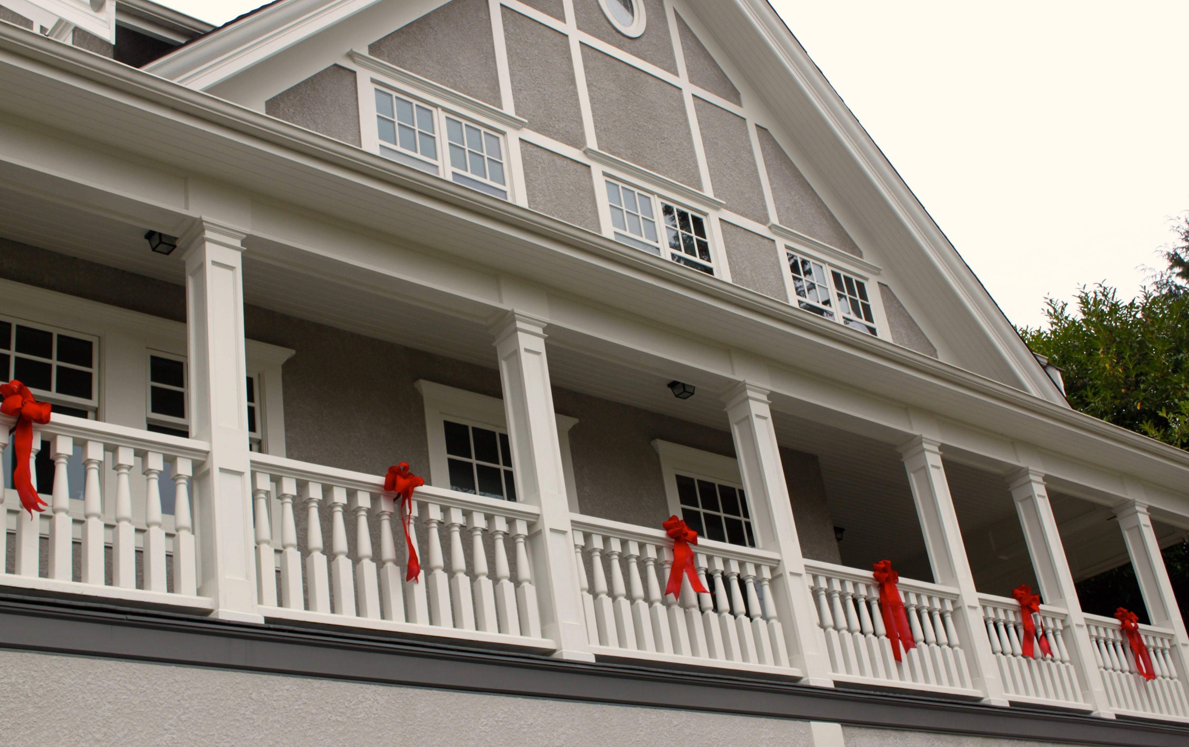 Holiday Decorating Service --Exterior